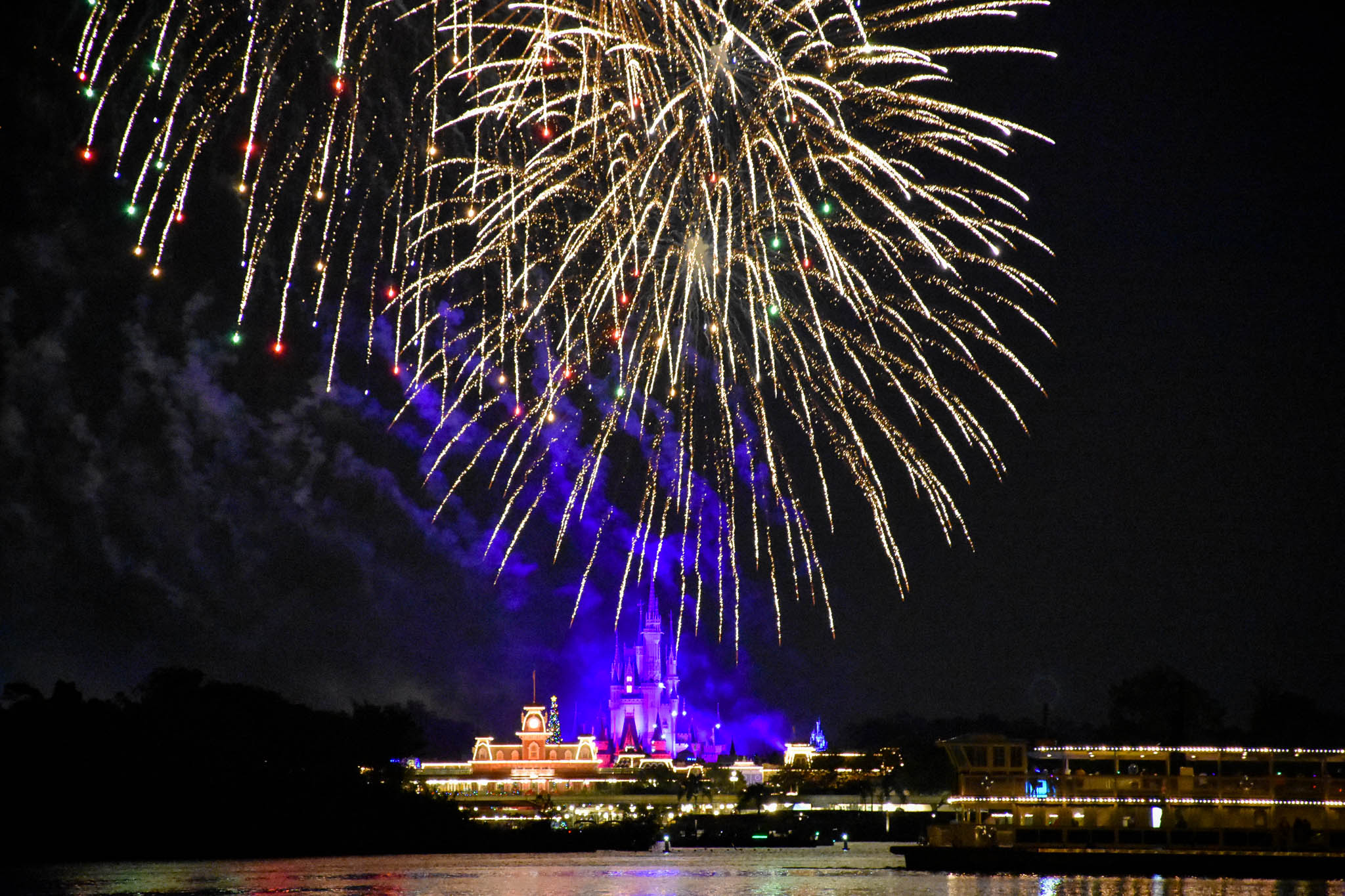 Best Places To Watch The Magic Kingdom Fireworks